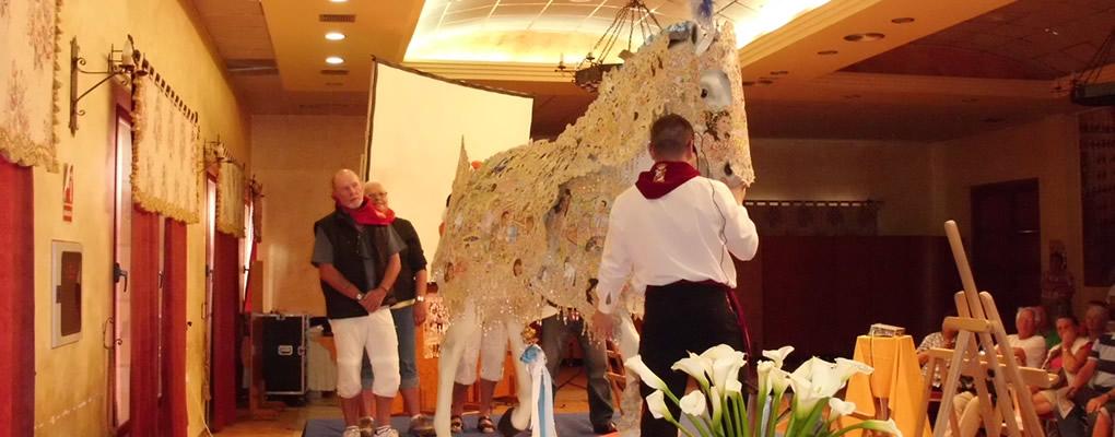 Exhibición de como se viste un Caballo del Vino
